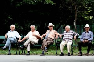 Pensioner men bench